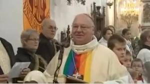 obispo abucheado