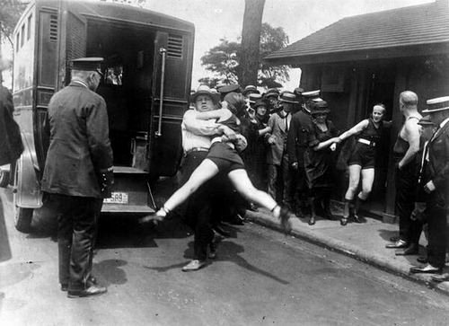 women chicago arrested legs 1922